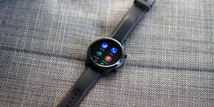 Mobvoi Ticwatch Pro 3 Review The Best Wear Os Smartwatch Ever Makeuseof